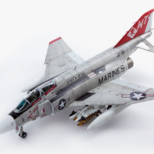 "[1/72] 12556 USMC F-4J ""VMFA-232 Red Devils""(Released Dec,2017)"